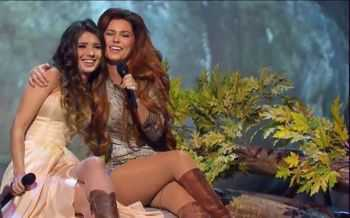 Paula Fernandes & Shania Twain - You're Still The One (2014)